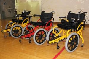当院では足こぎ車椅子をリハビリテーションに取り入れています
