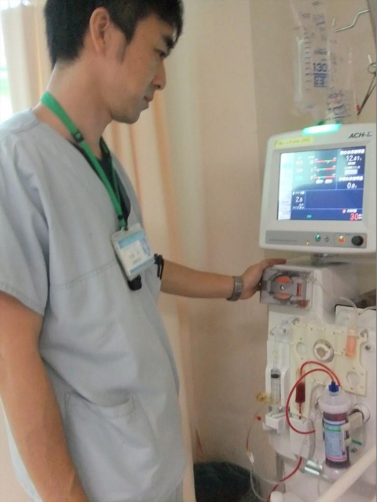 ▲急性期血液浄化療法業務 (使用する血液浄化装置)